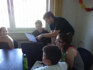 Paul Cleary tokom kursa engleskog jezika